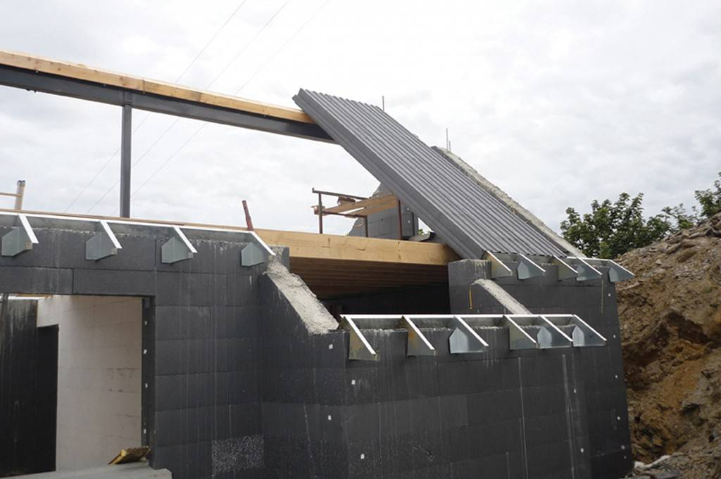 Child 39 s play selfbuild for Icf concrete roof