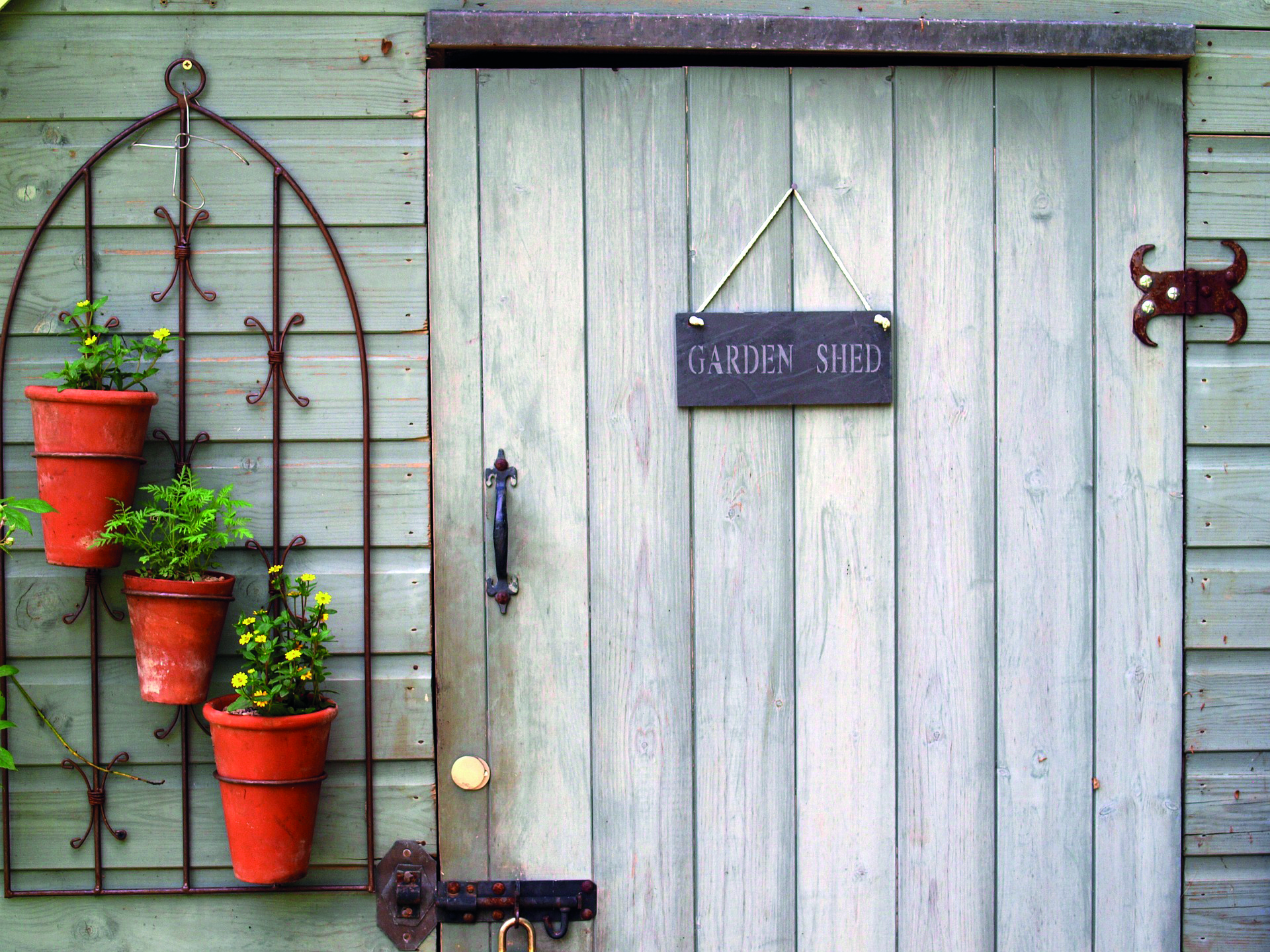 Garden Sheds Selfbuild, How To Hang Things In A Garden Shed