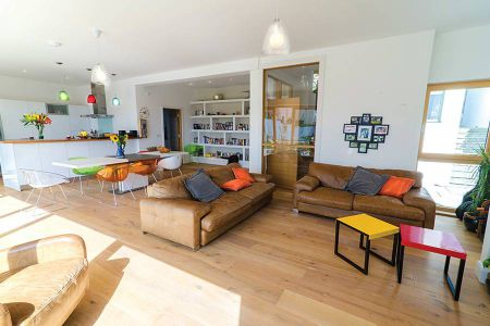 curran-main-living-room-10