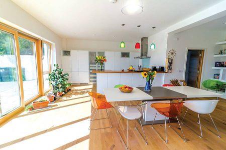 curran-main-living-room-7